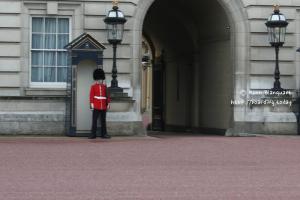 Royal Guard, London, UK, 2006 by Koen Blanquart