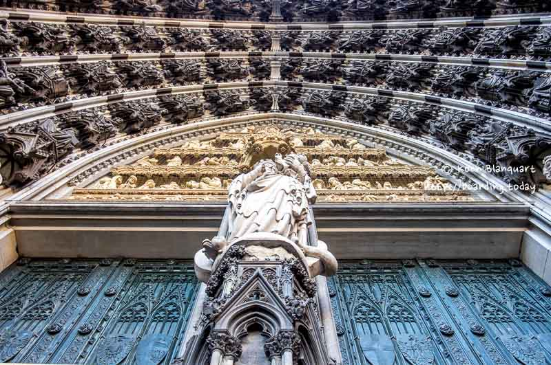 The entrance of the Dom of Cologne is pretty impressive.