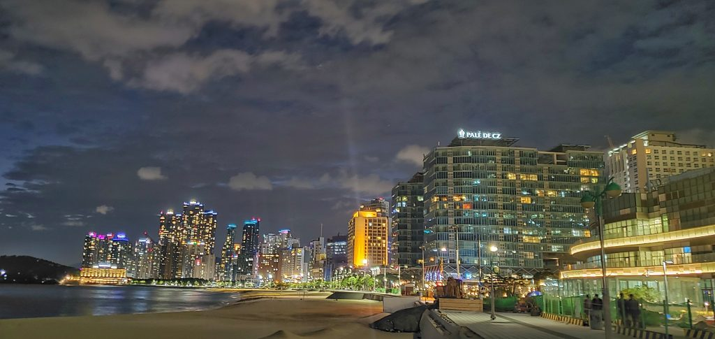Haeundae-gu by night